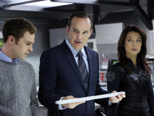 Watch Agents of S.H.I.E.L.D. Season 1 Episode 8