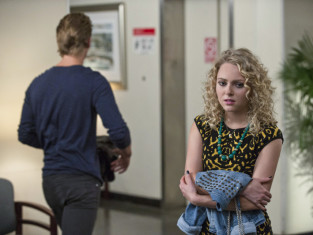 Watch The Carrie Diaries Season 2 Episode 7