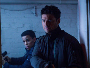 Watch Almost Human Season 1 Episode 8