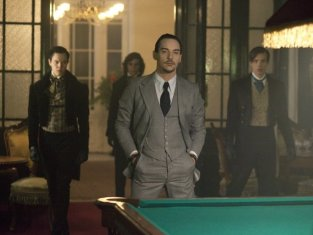 Watch Dracula Season 1 Episode 9