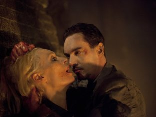 Watch Dracula Season 1 Episode 10