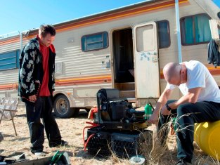 Watch Breaking Bad Season 2 Episode 9