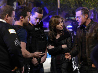 Watch Chicago PD Season 1 Episode 4
