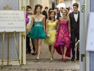 Watch The Carrie Diaries Season 2 Episode 12