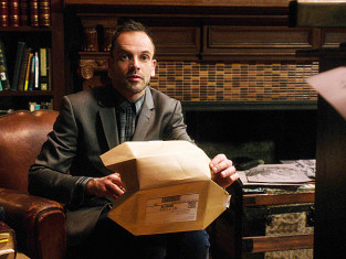 Watch Elementary Season 2 Episode 14