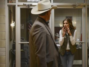Watch Killer Women Season 1 Episode 5