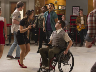 Watch Glee Season 5 Episode 9