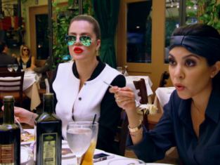 Watch Keeping Up with the Kardashians Season 9 Episode 6