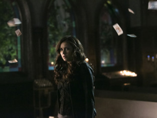 Watch The Vampire Diaries Season 5 Episode 15