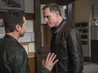 Watch Chicago PD Season 1 Episode 7