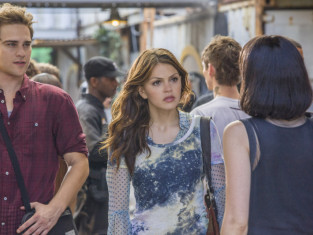 Watch Star-Crossed Season 1 Episode 3
