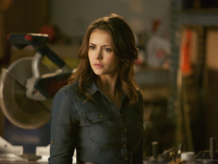 Watch The Vampire Diaries Season 5 Episode 17