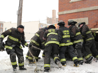 Watch Chicago Fire Season 2 Episode 17