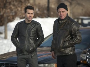 Watch Chicago PD Season 1 Episode 10