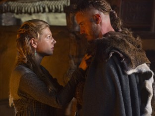 Watch Vikings Season 2 Episode 8