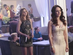 Watch Revenge Season 3 Episode 20