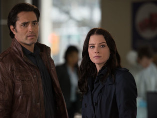 Watch Continuum Season 3 Episode 3