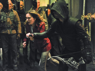 Watch Arrow Season 2 Episode 21