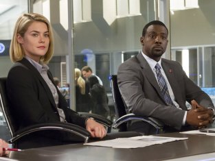 Watch Crisis Season 1 Episode 7