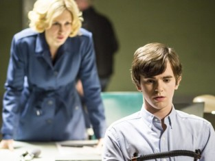 Watch Bates Motel Season 2 Episode 10