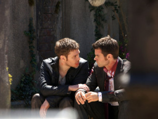 Watch The Originals Season 1 Episode 22