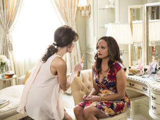 Watch Devious Maids Season 2 Episode 4