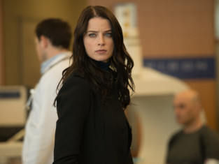 Watch Continuum Season 3 Episode 9