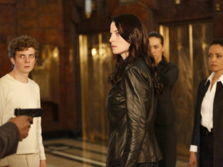 Watch Continuum Season 3 Episode 12