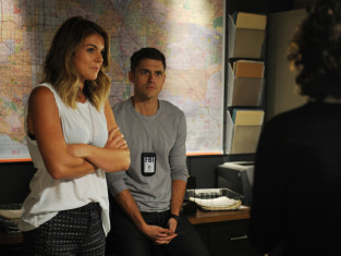 Watch Graceland Season 2 Episode 2