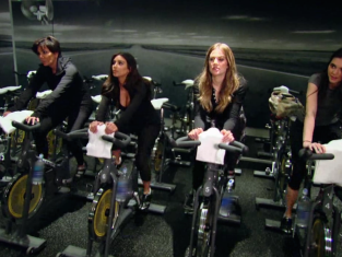 Watch Keeping Up with the Kardashians Season 9 Episode 10