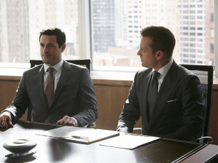 Watch Suits Season 4 Episode 6