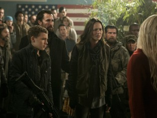 Watch Falling Skies Season 4 Episode 7