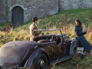 Watch Outlander Season 1 Episode 1