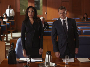 Watch Suits Season 4 Episode 10