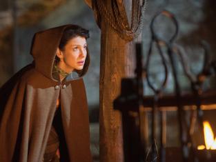 Planning Her Escape - Outlander