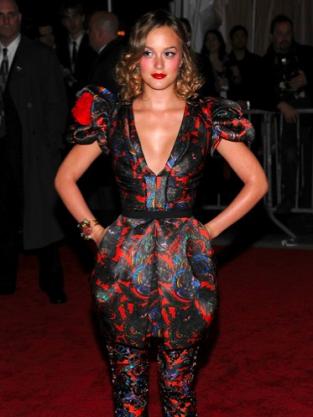 Leighton Meester Fashion Pic