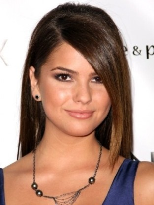 Shelley Hennig pic