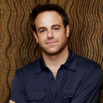 Paul Adelstein Picture