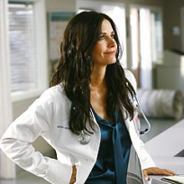 Courteney cox as dr maddox