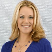 Andrea Anders as Linda Zwordling