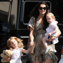 Brooke-shields-and-daughers