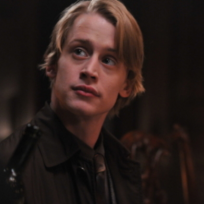 Macaulay-culkin-on-kings