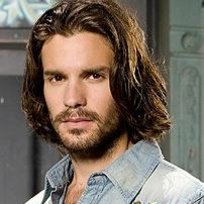 Santiago Cabrera Photo