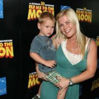 Alison Sweeney, Son