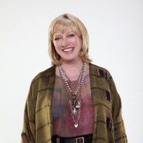 Veronica Cartwright as Bun