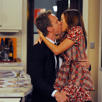 Barney and lily kiss