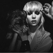 Strange Taylor Momsen Photo