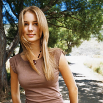 Emily-vancamp-picture