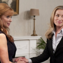 Lauren-holly-on-covert-affairs