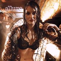 Sexy Leighton Photo